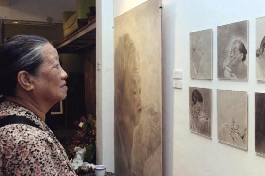 Mother looking portrai_opt